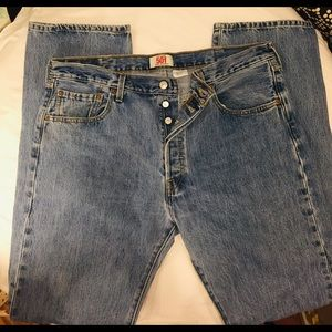 👔 Levis 501 38/36  Straight Leg Button-Fly Jeans!